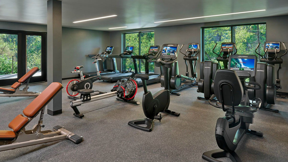 lux3937fc-213941-FitnessCenter-Med_1600900
